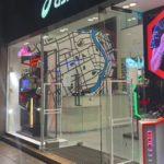 上海にあるスポーツブランドのデジタルサイネージ